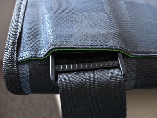 Speck TuckPack clip detail