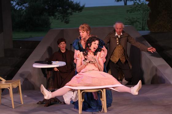 Bianca (Dawn Petten) and Kate (Lois Anderson), Biondella (Colleen Wheeler), Baptista (Bernard Cuffling)
