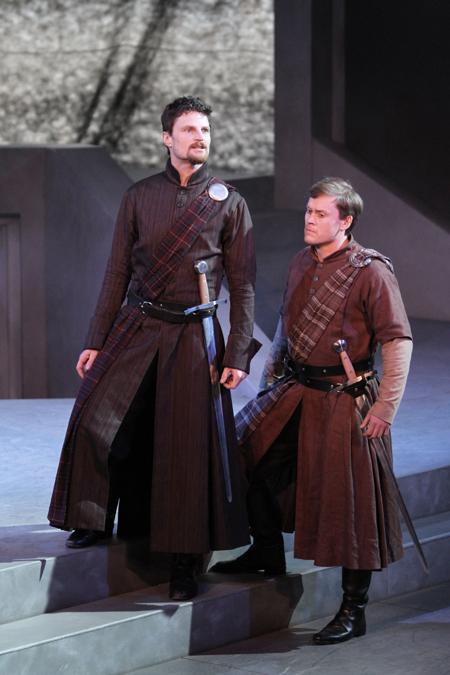 Macbeth (Bob Frazer), Banquo (Craig Erikson)