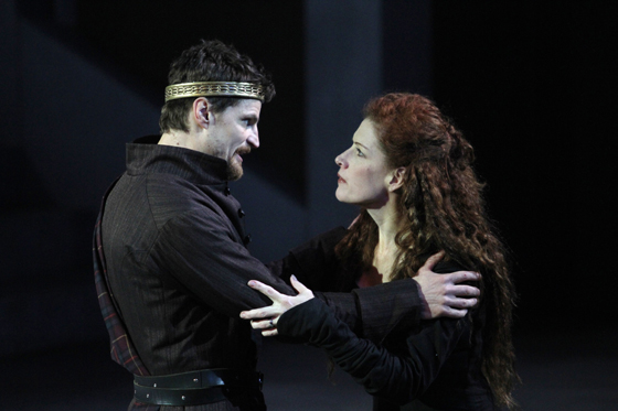 Macbeth (Bob Frazer), Lady Macbeth (Colleen Wheeler)