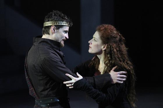 Macbeth (Bob Frazer), Lady Macbeth (Colleen Wheeler)