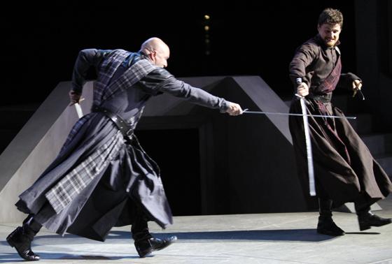 Macduff (Ian Butcher); Macbeth (Bob Frazer)