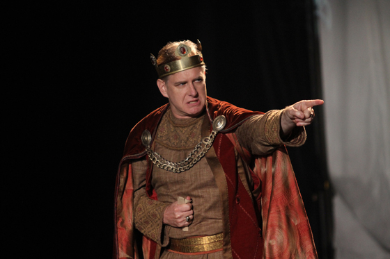 Scott Bellis as King John