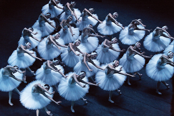 National Ballet of China in Swan Lake