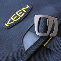 KEEN Taylor messenger bag detail