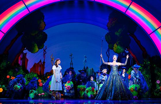 Danielle Wade as Dorothy and Robin Evan Willis as Glinda