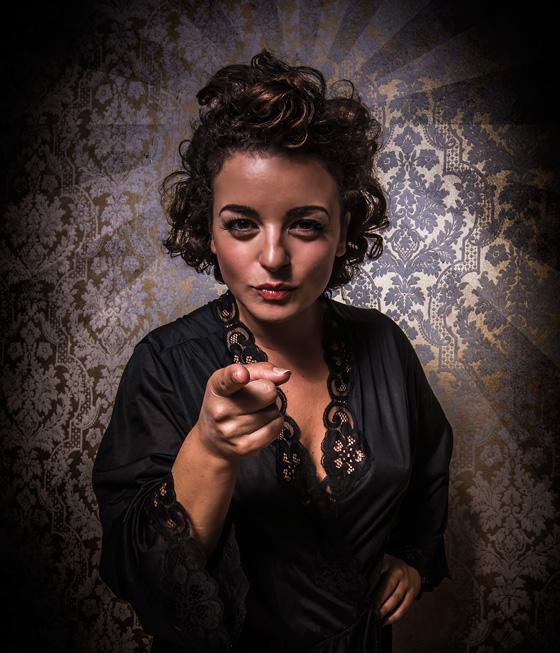 Flora Karas as Inez