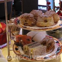 Shangri-La Vancouver tea tiers