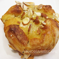 La Boulange almond danish