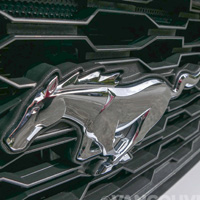2015 Ford Mustang grill