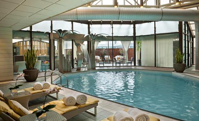 Pool at InterContinental Toronto