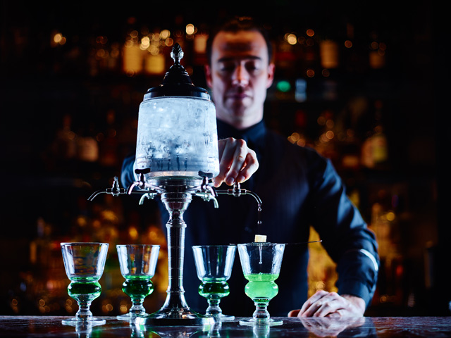 Absinthe pouring, Prohibition Bar