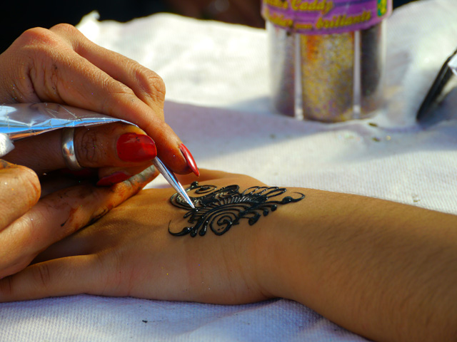 Mehndi henna art by Munira Mumtaz