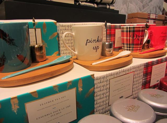 Feather Tea Set