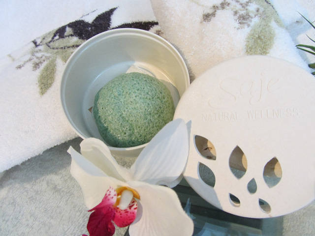 Saje Konjac Kare Green Tea Enriched Cleansing Sponge