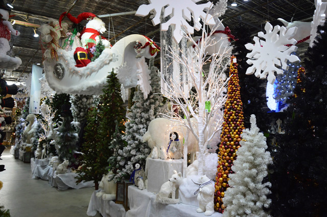 Christmas Store at Potters