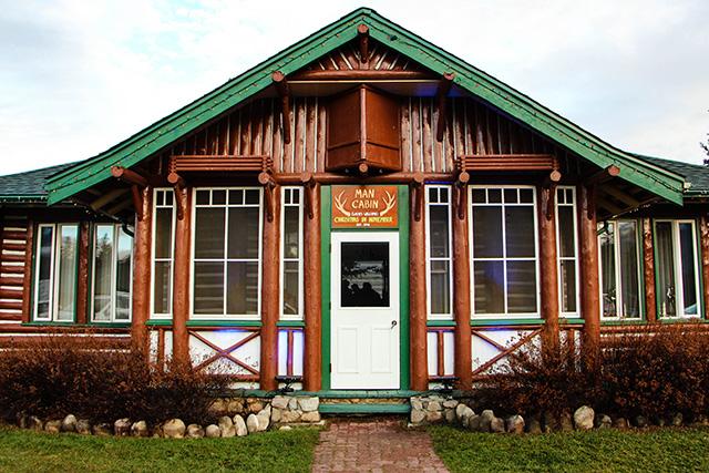 Jasper Park Lodge Christmas in November Man Cabin