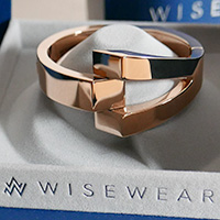 WiseWear Calder bracelet in rose gold