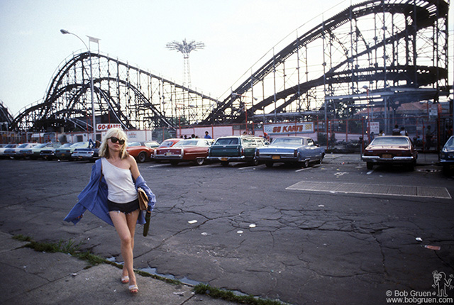 Debbie Harry, Coney Island 1977