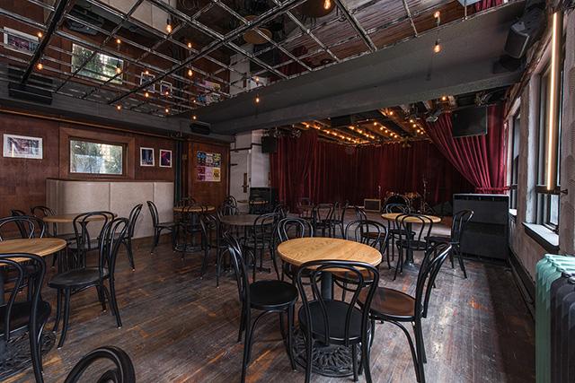 Railway Stage & Beer Cafe
