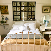 Country charm bedroom