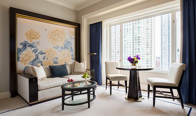 Deluxe Guestroom Living Area