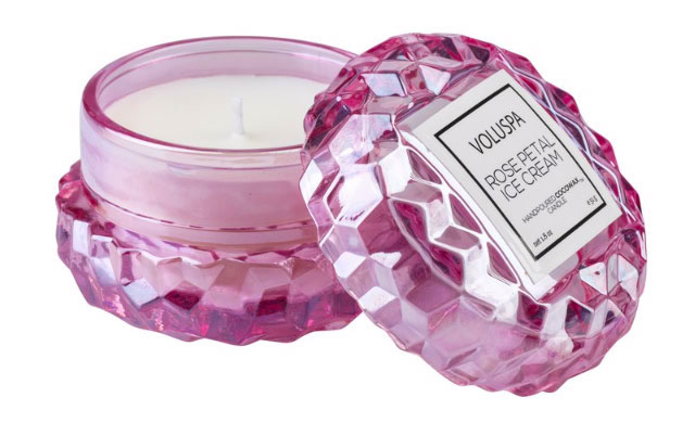 Voluspa Rose Petal candle