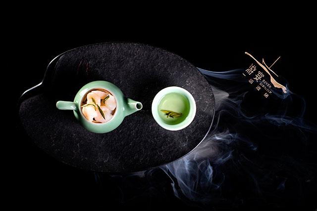 Sauteed Hand Peeled River Shrimp with Longjing Tea