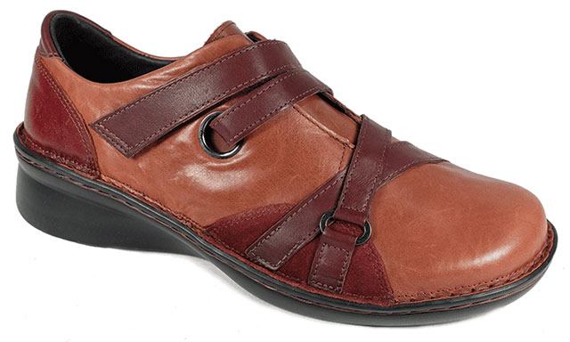 Mambo Shoe With Removable Footbed