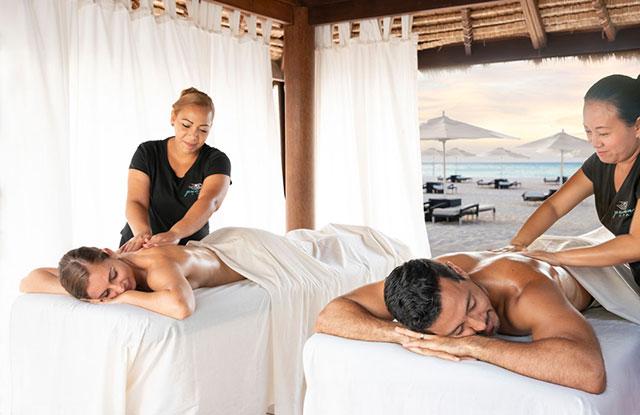 Couples Massage at Bucuti & Tara